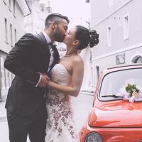 Brautpaar vor Fiat500